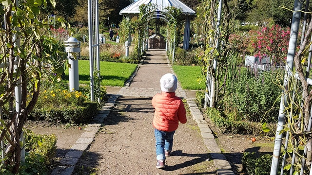 Child of the author in Hamburg's Planten und Blomen